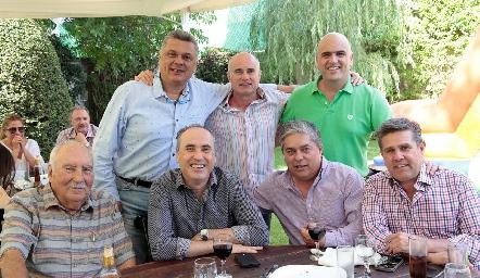 Edgar con sus mejores amigos, Ariel Álvarez, Tomás Alcalde, Rafael Navarro, Alejandro Navarro, Gerardo Córdova y Galo Galván.