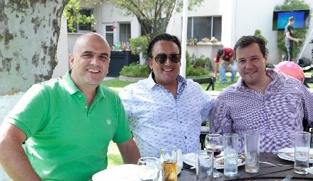 Edgar Eichelmann, Erick Eichelmann y Christian Meade.