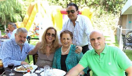 Luis José Ruiz, Elizabeth Eichelmann, Raquel Gómez de Eichelmann, Erick y Edgar Eichelmann.