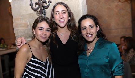 Lore Navarrete, Diana Olvera y María Lavín.