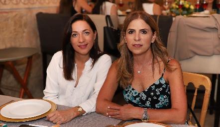 Lilian Muñoz y Gabriela Godínez.