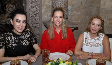 Liliana Meza, Elizabeth Eichelmann y Tayde Gaviño.