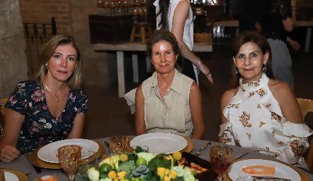 Ana Lorca, Lourdes de López y Luchi Castelo.
