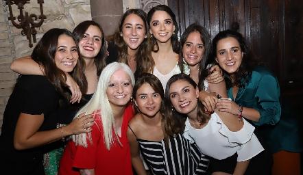Sofía Leiva, Marisol Cabrera, Diana Olvera, Sofía Álvarez, Ale Ascanio, María Lavín, María José Zárate, Lore Navarrete y Sofía Rodríguez.