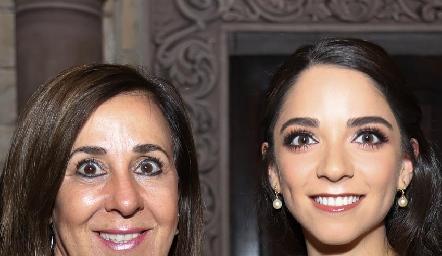Lorena Valle y Sofía Álvarez.