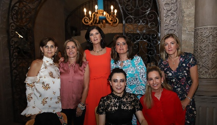 Luchi Castelo, Patricia Gaviño, Marus Hernández, Maru Martínez, Ana Lorca, Liliana Meza y Elizabeth Eichelmann.