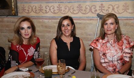 Rocío Mexicano, Lorena Valle y Amelia de Martín Alba.