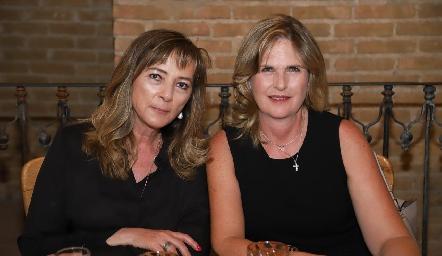 Esther Manjarrez y Carmen Zwieger.