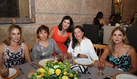 Claudia Díaz Infante, Anabell Valle, Marus Hernández, Lilian Muñoz y Gaby Godínez.