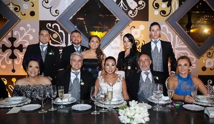 Familia González y Familia Obrador.
