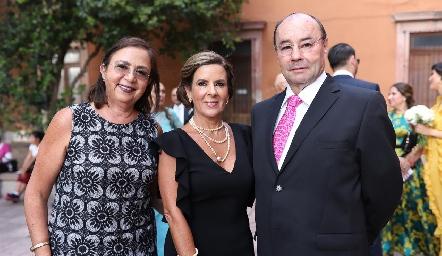 Marcela Rangel, Martha Elena Muñiz y Fernando López.
