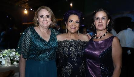 María Luisa Martínez, Elsa Medina y Lourdes Chevaile.