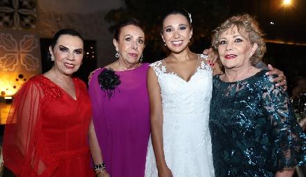 Yoya, Marcela, Pamela y Jocelyn Galarza.