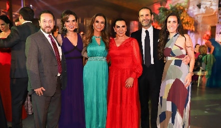 Juan Carlos Conde, Ale y Daniela Díaz de León, Yoya Galarza, Javier Díaz de León y Adriana Cázares.