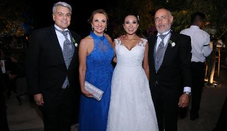 Guillermo González, Norma Galarza, Pamela y Antonio Tomás Obrador.