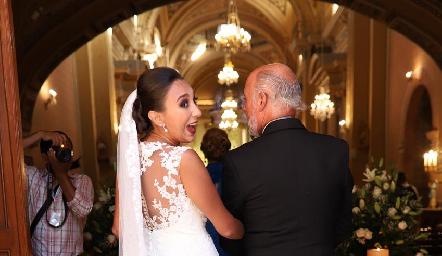 Pamela con su papá.