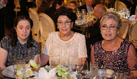 Ana Silvia, Silvia y Cristina Vera.