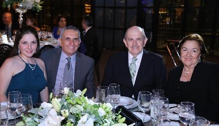 Andrea Velasco, Luis Velasco, Eduardo Velasco y Cuqui Velasco.