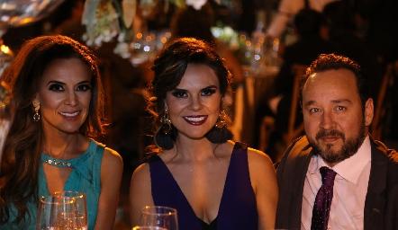 Daniela Díaz de León, Alejandra Díaz de León y Juan Carlos Conde.