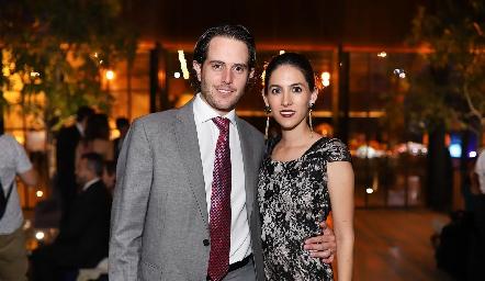 Carlos Del Valle y Claudia Díaz de León.