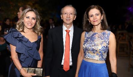 Elizabeth Báez, Alberto Báez y Ana González.