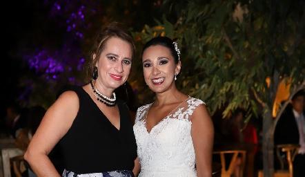 Meritchell Galarza y Pamela Tomás Obrador Galarza.