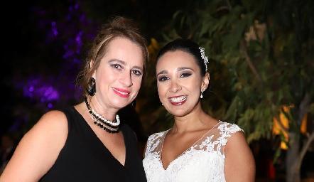 Las primas Meritchell Galarza y Pamela Tomás Obrador.