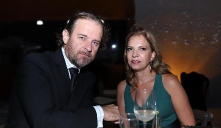 Russel Harris y Pita Del Valle.