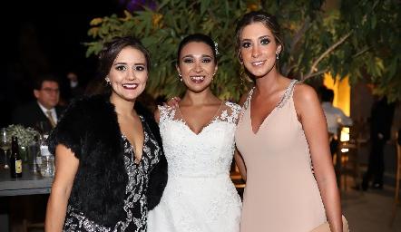 Adriana Herrera, Pamela Tomás Obrador y Mariana Fajardo.