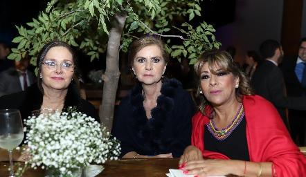 Mary Meade, Maripepa Valladares y Gaby Enríquez.