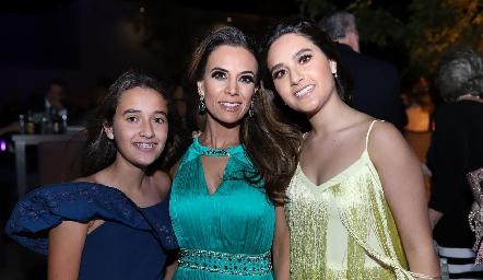 Sofía Garza, Daniela Díaz de León y Camila Garza.