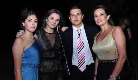 Natalia Hernández, Valeria Lomelí, Israel Hernández y Karla Velasco.