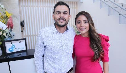 Dr. Oscar Morado y Dra. Mariana Escalante.