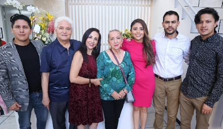 En compañía del Dr. Francisco Escalante y su familia.