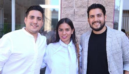Jorge García, Montse Rosales y Mario García.