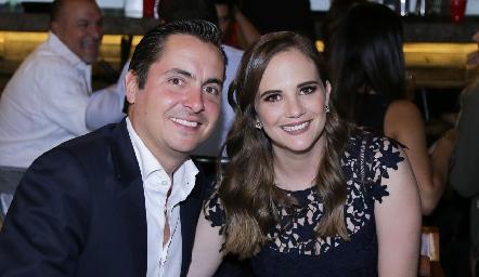 Carlos Almazán y Daniela Hernández.