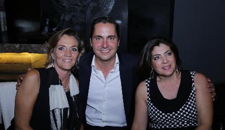 Lucía Gárate, Carlos Almazán y Leticia Anaya.
