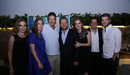 Claudia Díaz Infante, Lucía Hernández, José Antonio, Jorge y Daniela Hernández, Carlos Almazán y José Manuel Hernández.