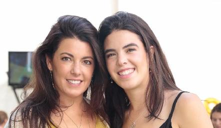 Cristina Puga con su hija Cristy Pizzuto.