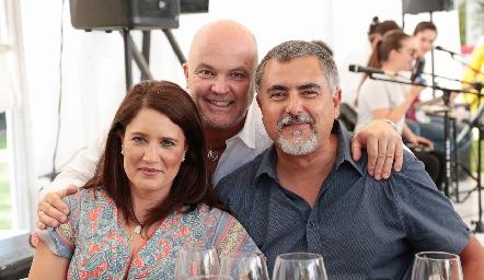 Memo Pizzuto con Mariana Millán y Picho Páramo.