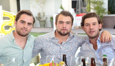 Roberto Cummings, Memo Pizzuto y Óscar Mendizábal.