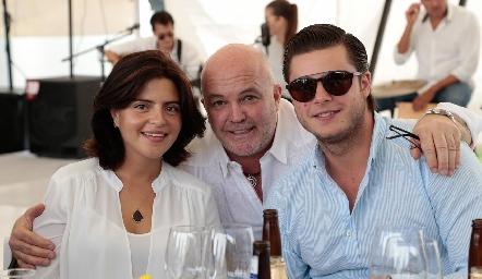 Daniela de los Santos, Memo Pizzuto y Santiago Rosillo.