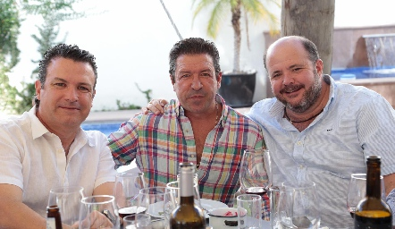 Gianfrano y Patricio Pizzuto con Gabriel de la Maza.