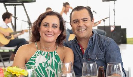 Susana de González y Eduardo González.