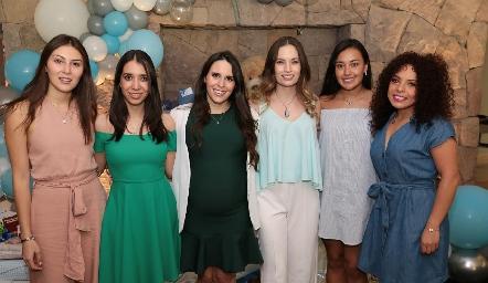 Liliana Medina, Mariana González, Luciana Rodríguez, Bárbara Portales, Saide y Dafne Madrigal.