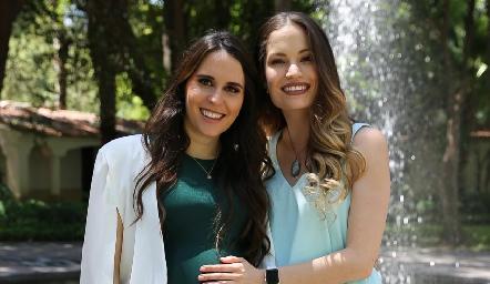 Luciana de Oliva y Bárbara Madrigal.
