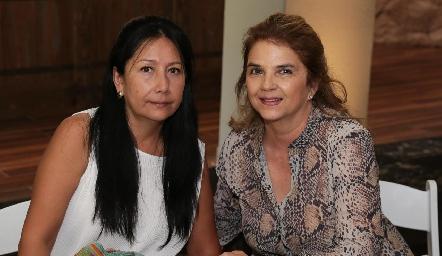 Leticia Ruiz y Luz María Márquez de Ruiz.