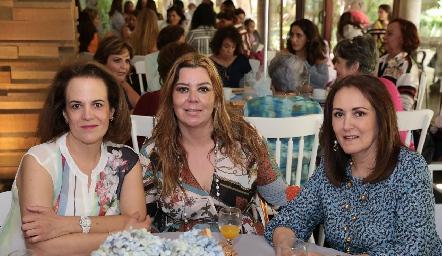 Claudia Rubín de Celis de Álvarez, Gabriela Lozano de Motilla y Laura del Pozo de Ortuño.