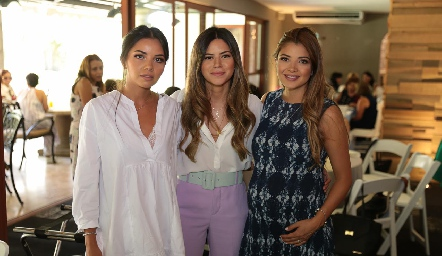 Xóchitl, Daniela y Alejandra Castañón.