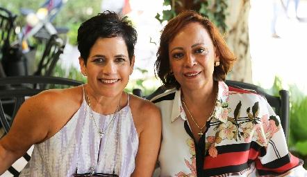 Tita García y Edith Rivera.